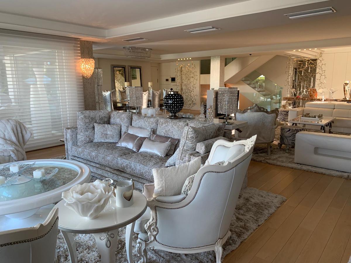 Villa con 6 Dormitorios en Venta Bahía de Marbella