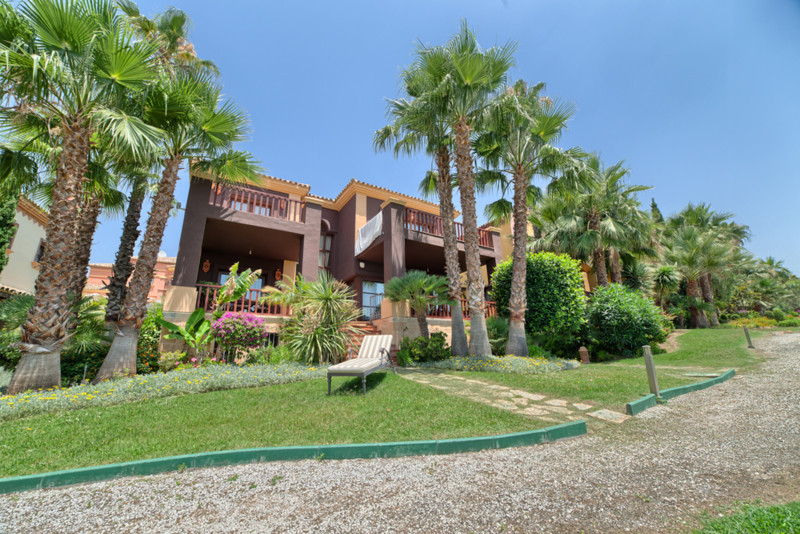 House in Sierra Blanca R2482310 39
