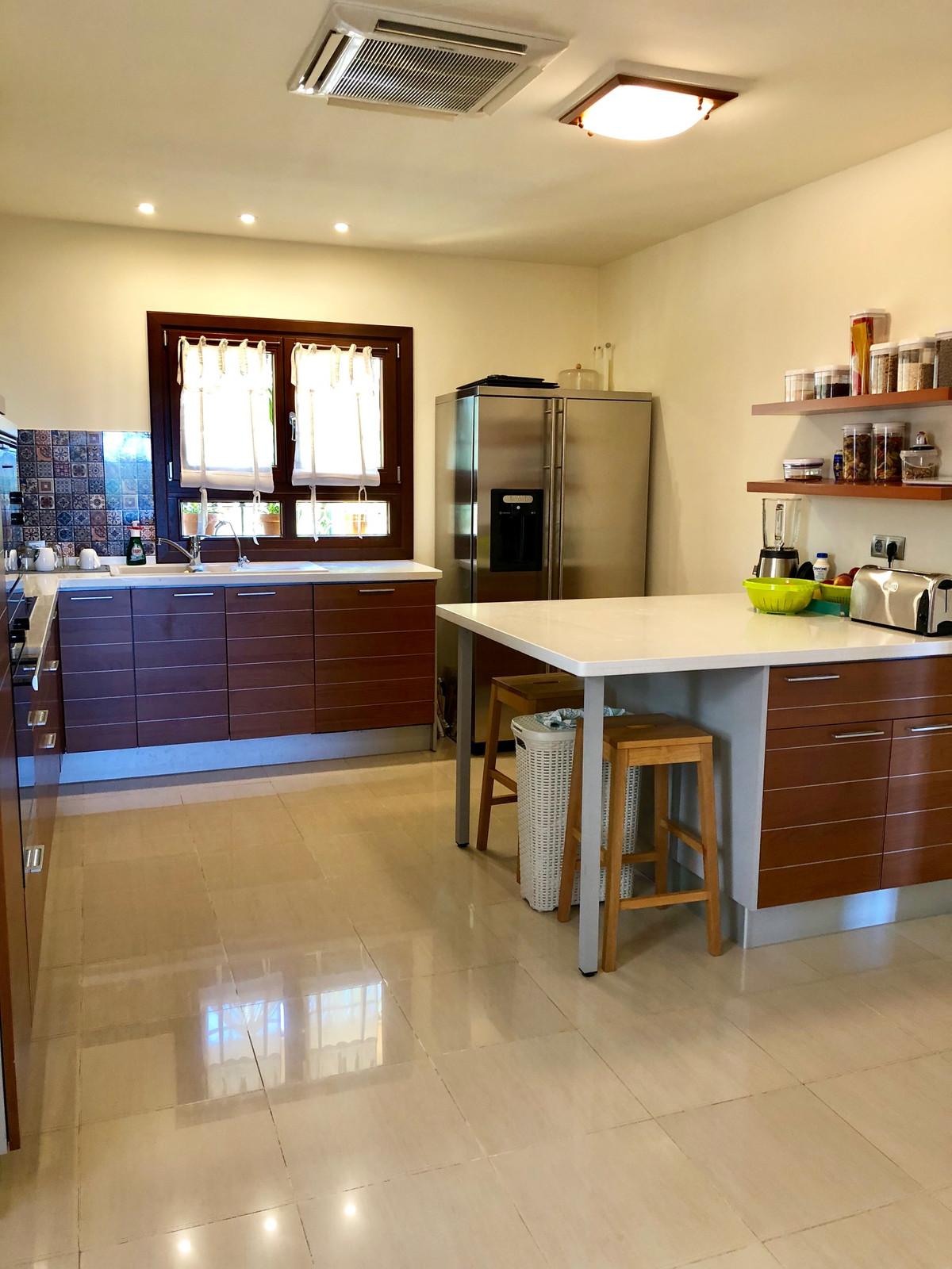 House en Sierra Blanca R2482310 7
