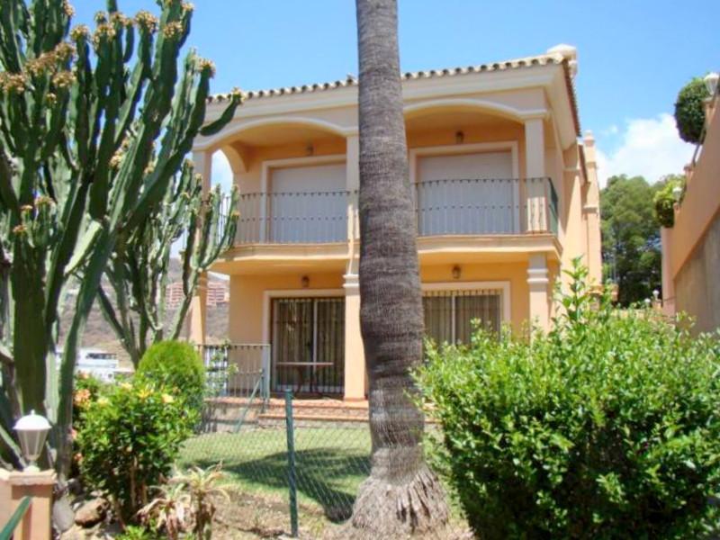Villa 4 Dormitorios en Venta Riviera del Sol