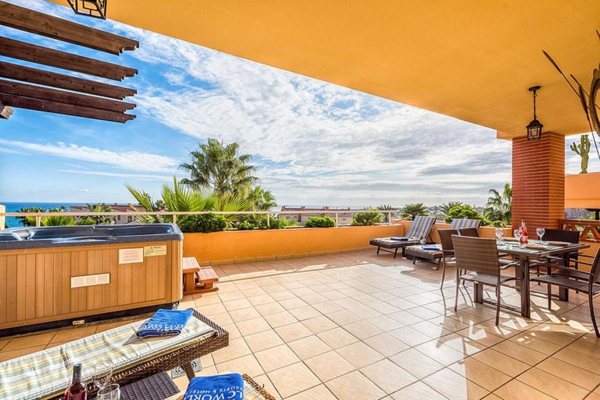 Appartement  Rez-de-chaussée en location  à Mijas
