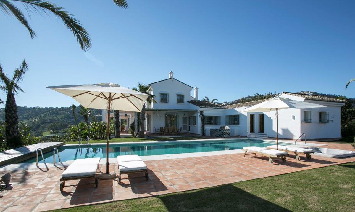Villa 8 Dormitorios en Venta La Mairena