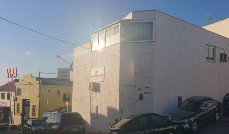 Industrial building in the La Ermita industrial estate, in Marbella. It has 376 m2 distributed in 2 ,Spain