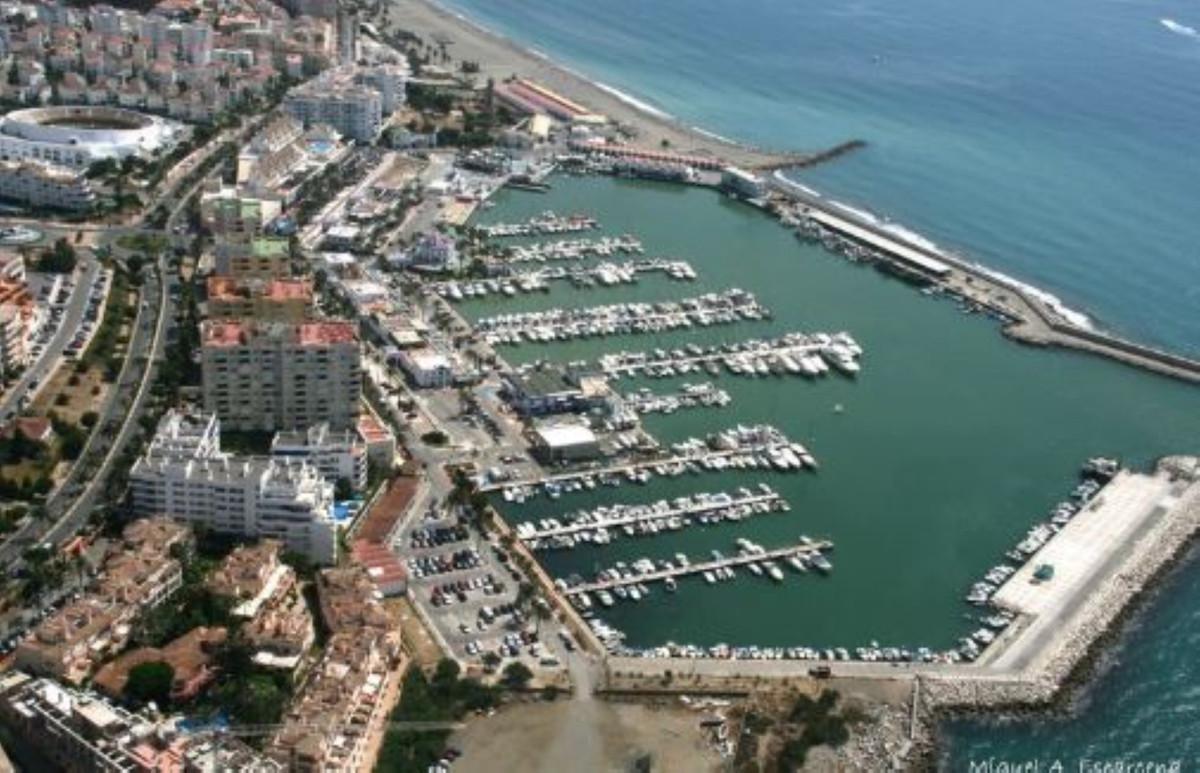 ESTEPONA PORT:  PENTHOUSE WITH PANORAMIC VIEWS...  2 BED +2 BATH..+  SOLARIUM 32m  +POOL... WALKING ,Spain