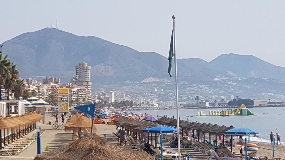 FUENGIROLA BEACH SIDE-PROMENADE:   LOVELY 1 BED APARTAMENT TOP FLOOR.. WALKING TO THE BEACH.. RESTAU,Spain