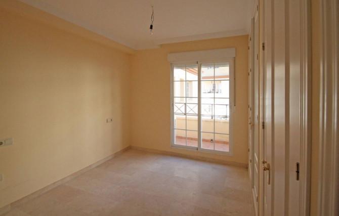 ESTEPONA:  ..         Middle Floor Apartment, Estepona, Costa del Sol. 3 Bedrooms, 2 Bathrooms, Buil,Spain
