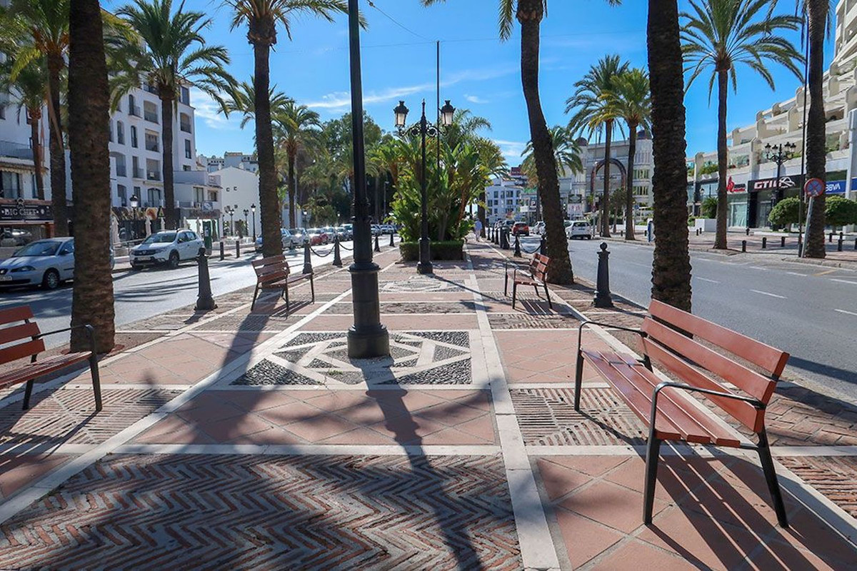 Investment Opportunity in Avenida Jose Banus, one of the best streets in Puerto Banus. This property,Spain