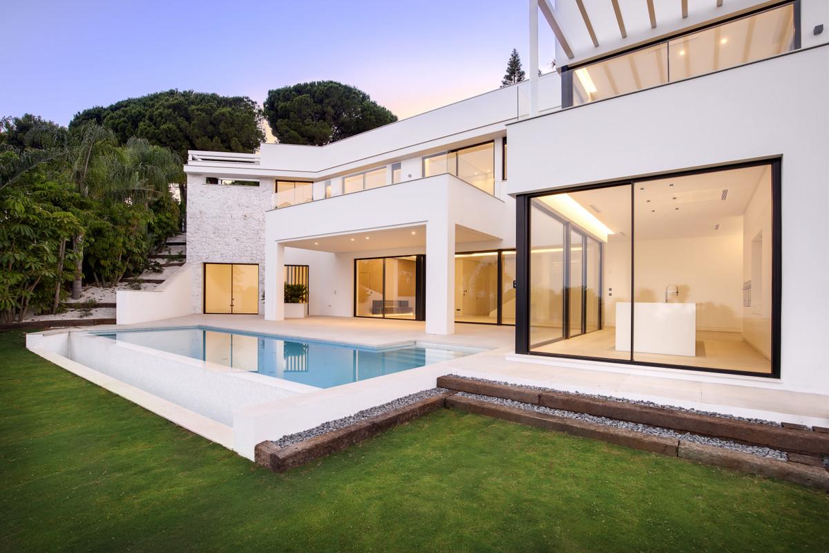 Villa Till salu i Río Real R3702962