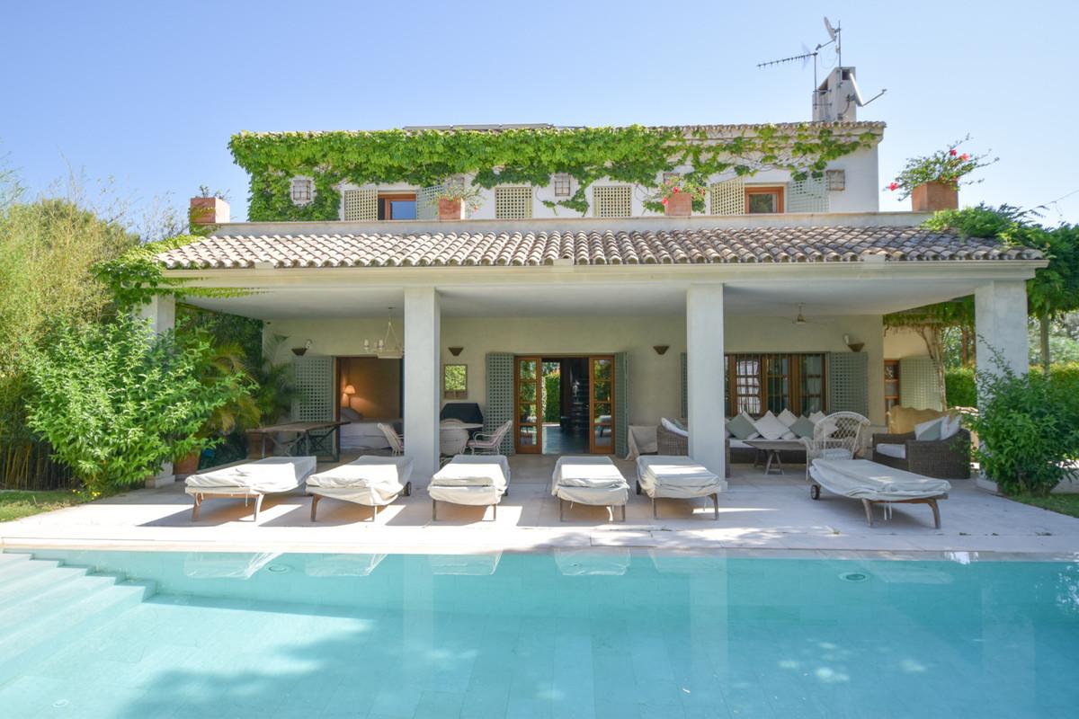 Detached Villa for sale in Elviria R3761764