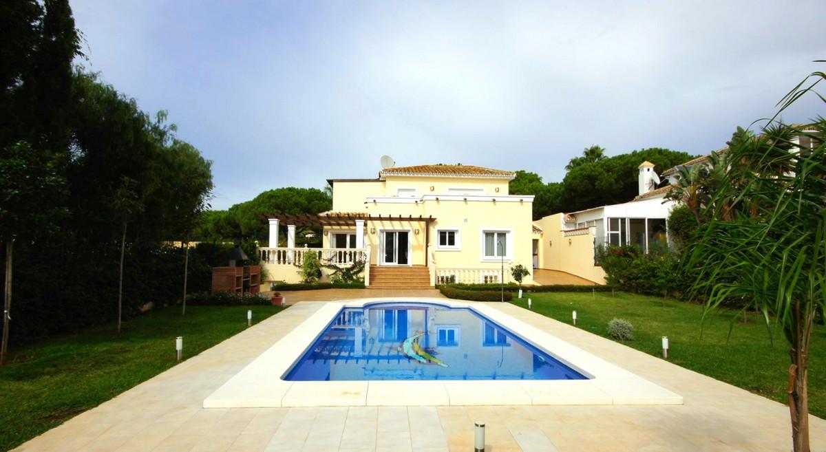 Detached Villa, Las Chapas, Costa del Sol. 4 Bedrooms, 3 Bathrooms, Built 175 m², Terrace 60 m², Gar,Spain