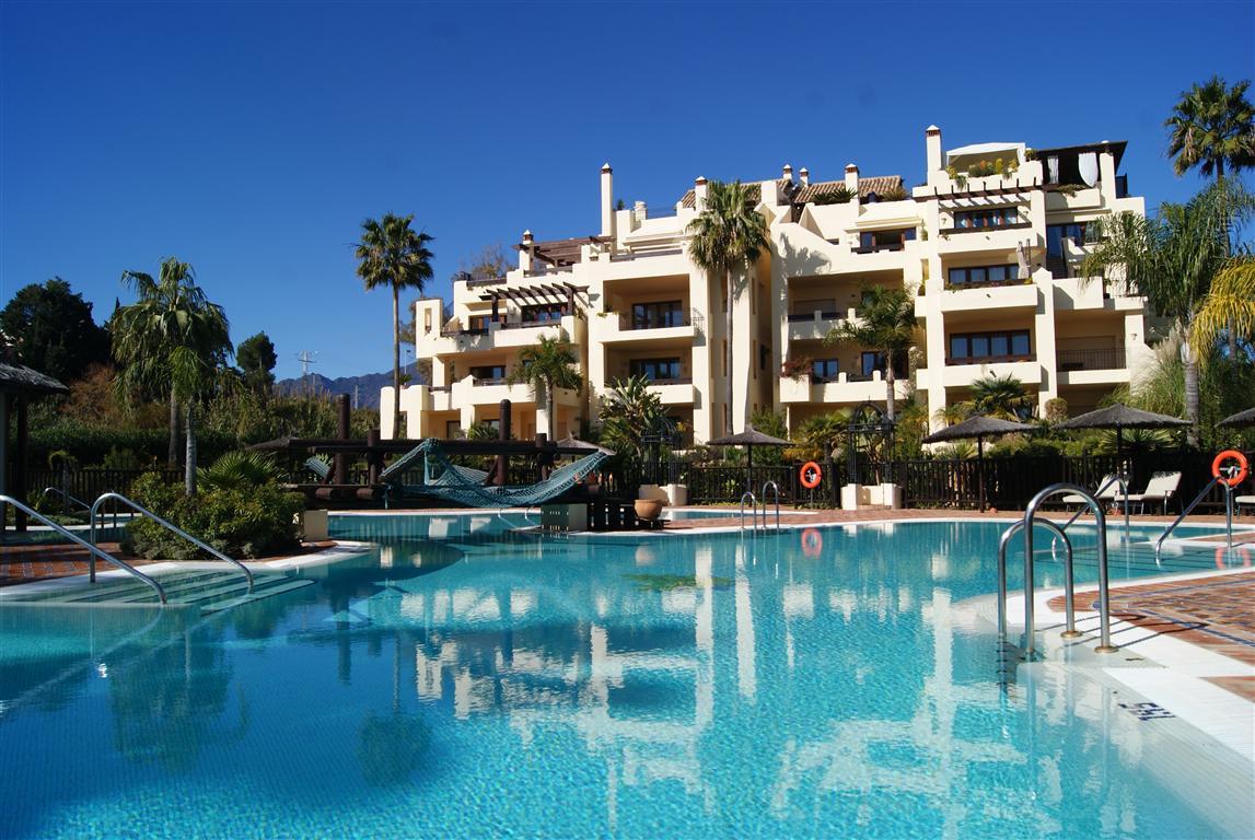 Middle Floor Apartment, New Golden Mile, Costa del Sol. 2 Bedrooms, 2 Bathrooms, Built 122 m², Terra,Spain