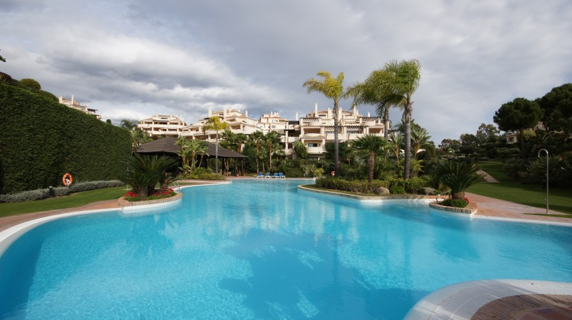 Apartamento  Planta Baja en alquiler  en Benahavís