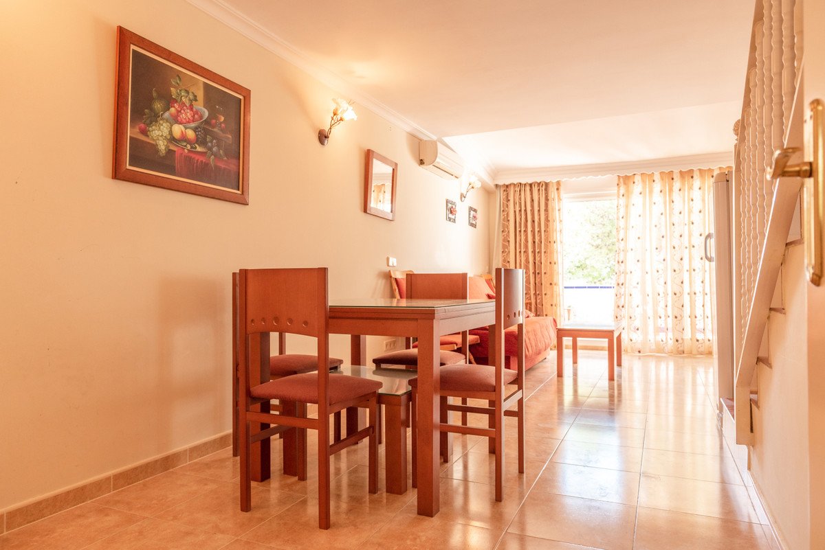 Unifamiliar con 2 Dormitorios en Venta Estepona