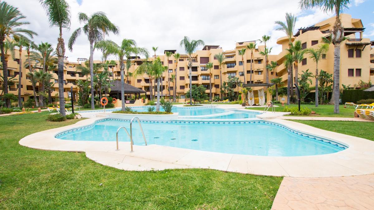 Appartement  Mi-étage en location  à Costalita