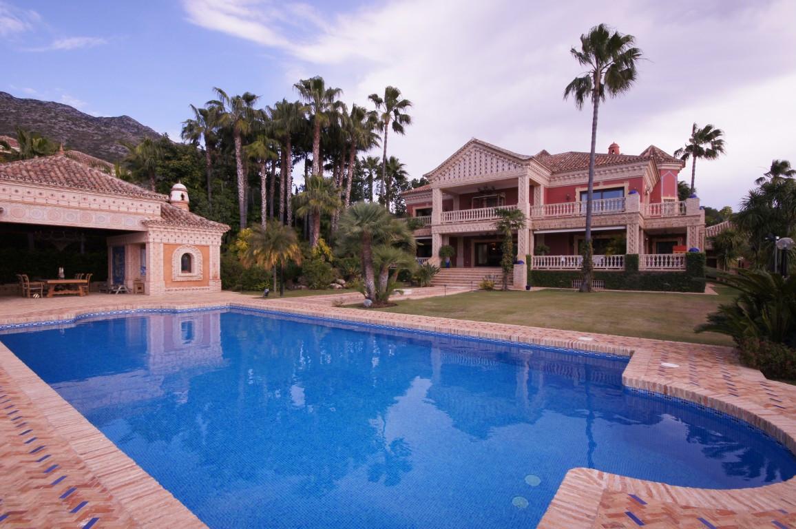 Detached Villa, Nagueles, Costa del Sol. 9 Bedrooms, 9 Bathrooms, Built 1137 m², Terrace 300 m², Gar,Spain