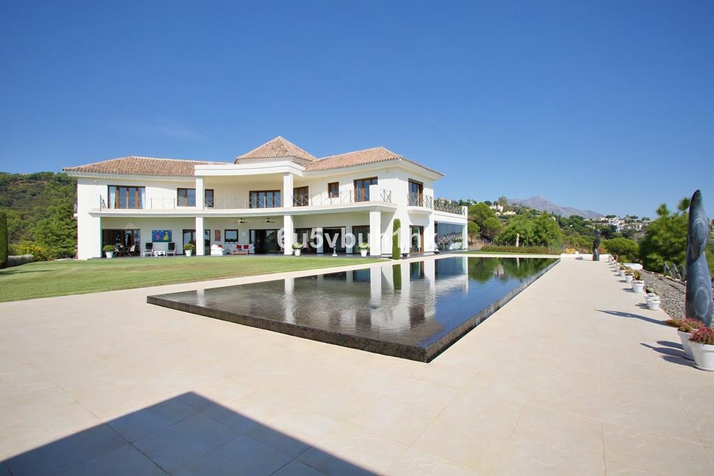 Villa 6 Dormitorios en Venta Benahavís