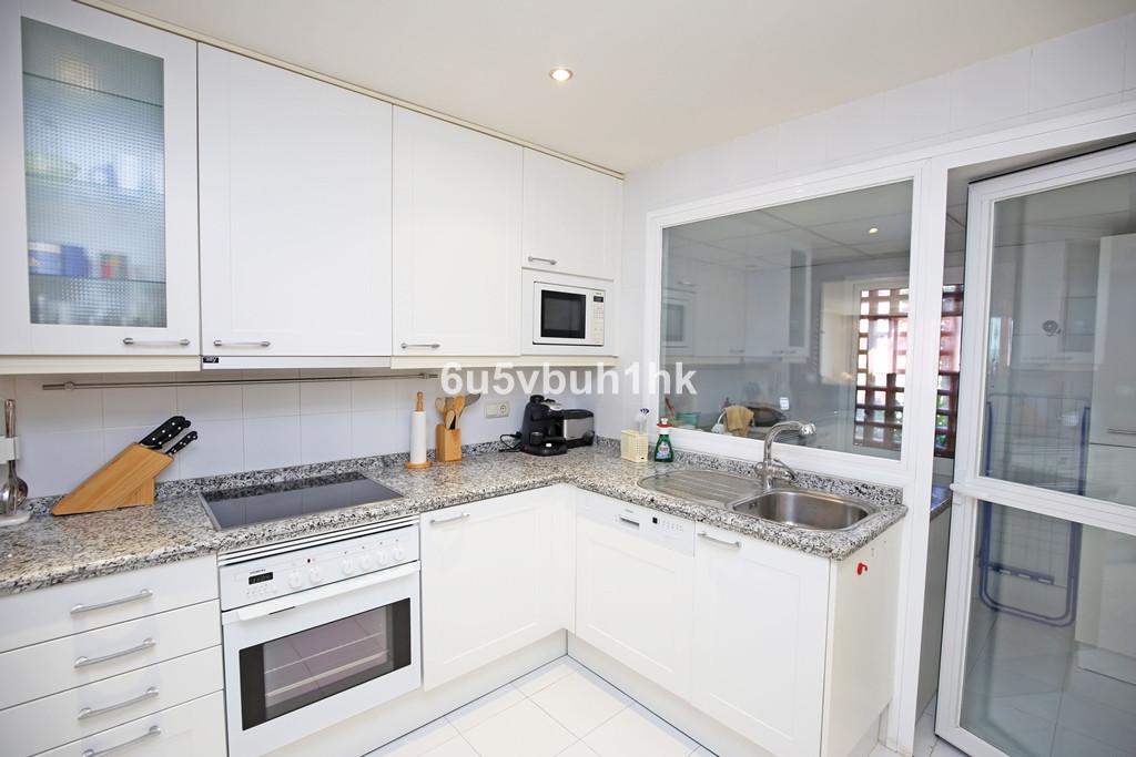 Apartamento con 2 Dormitorios en Venta New Golden Mile