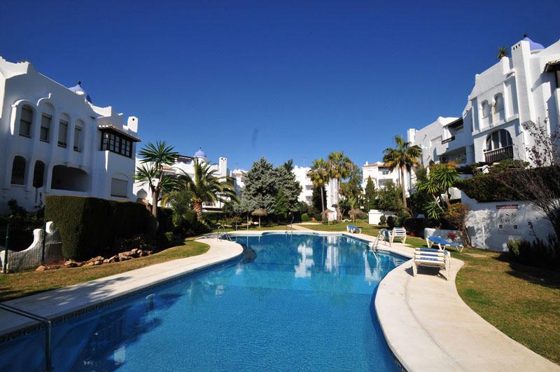 2 bedrooms 2 bathrooms Apartment for venta in Calahonda for €195,000