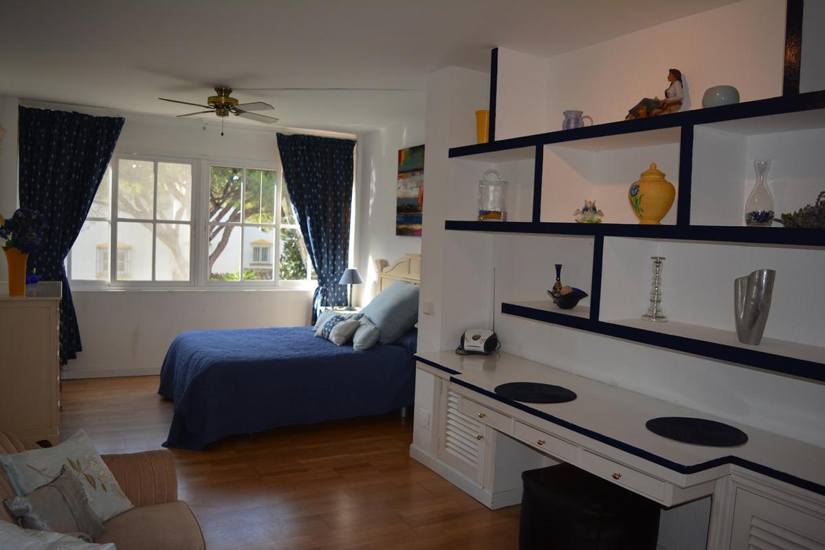 5 bedrooms 4 bathrooms Villa for rent in Calahonda for €2,950/Month
