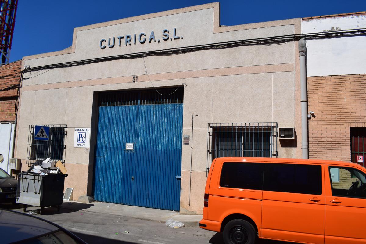 Warehouse, Malaga, Costa del Sol. Built 446 m².  Orientation : East. Condition : Fair. View,Spain