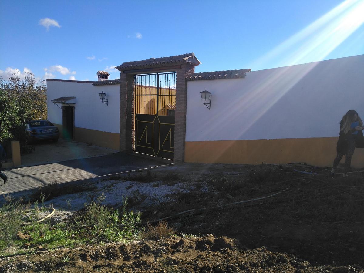 Finca - Cortijo, Almogia, Costa del Sol. 4 Bedrooms, 1 Bathroom, Built 414 m².  Setting : Country, V,Spain