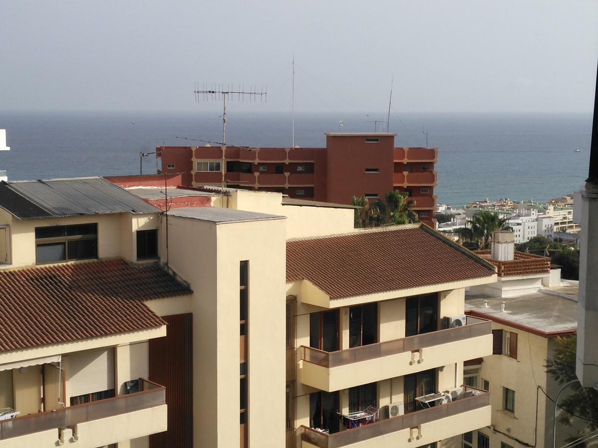 Middle Floor Apartment, Torremolinos, Costa del Sol. 2 Bedrooms, 2 Bathrooms, Built 93 m², Terrace 2,Spain
