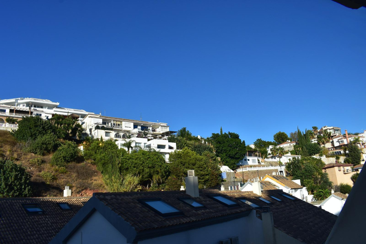 4 Bedroom Townhouse For Sale Fuengirola, Costa del Sol - HP3798289