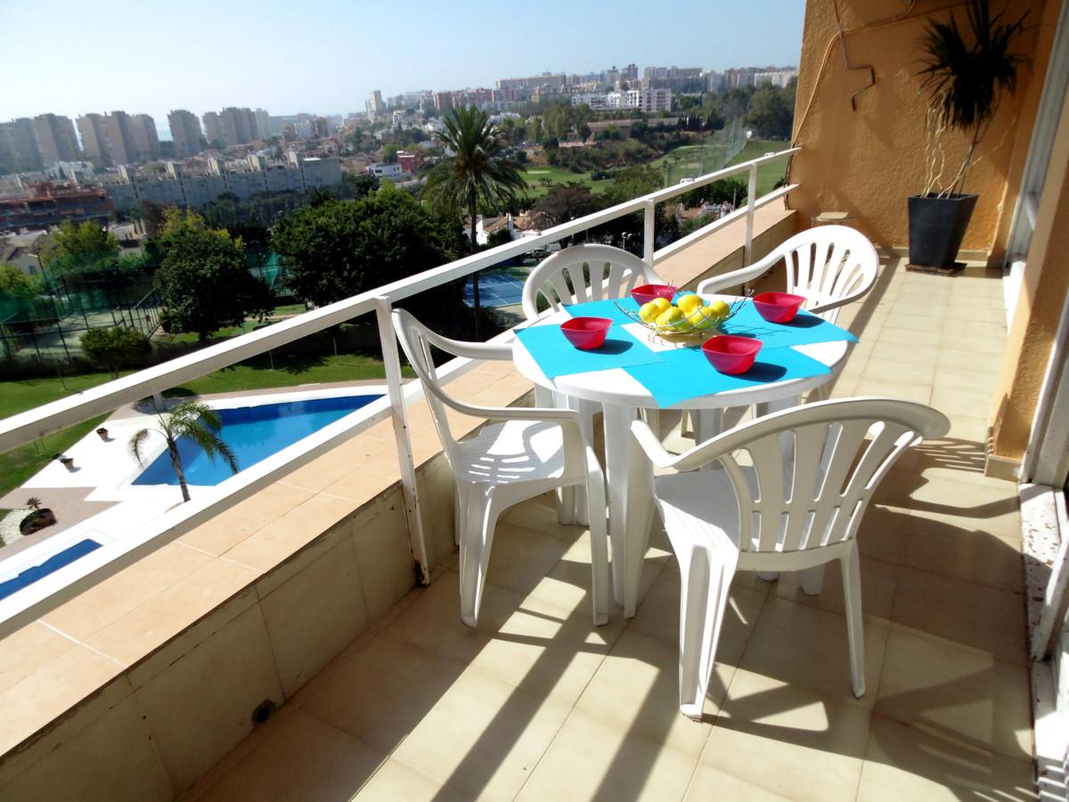 Middle Floor Apartment in Torremolinos R3510580