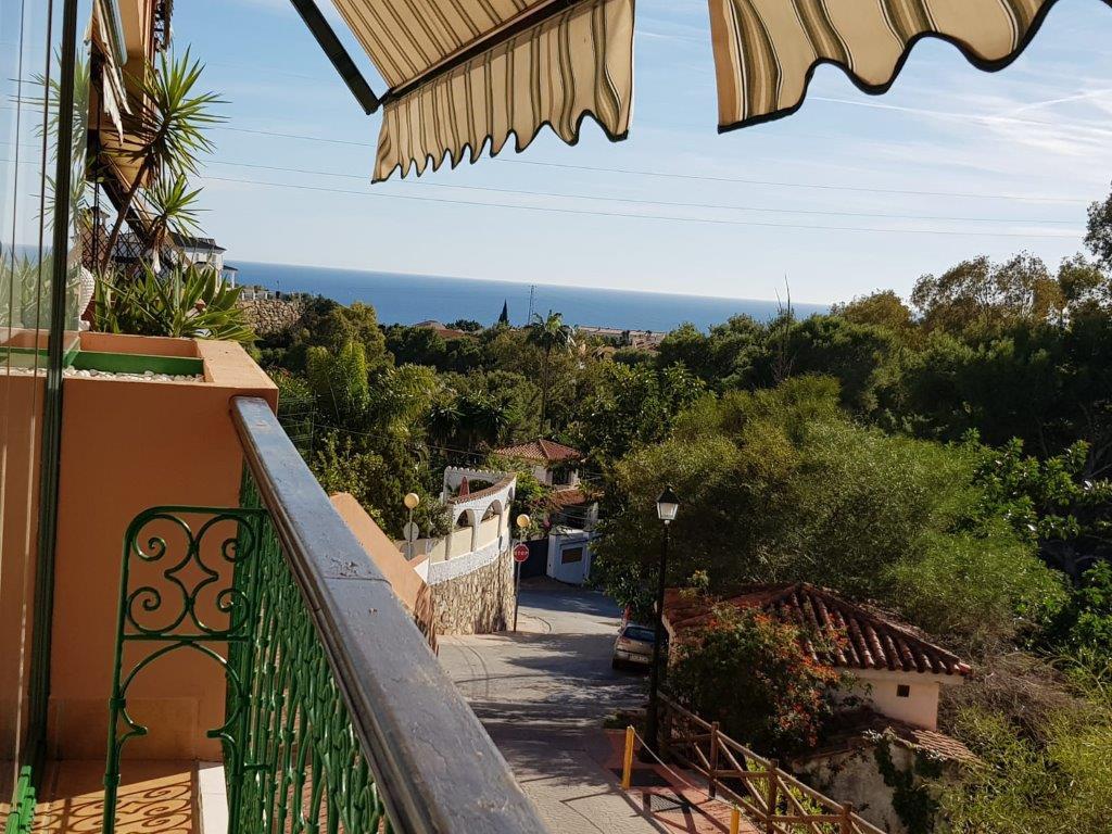 Middle Floor Apartment, Fuengirola, Costa del Sol. 2 Bedrooms, 2 Bathrooms, Built 80 m², Terrace 25 ,Spain