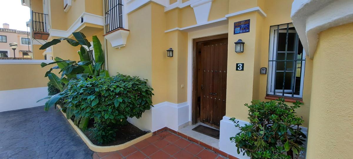 3 Bedroom Townhouse For Sale, Elviria