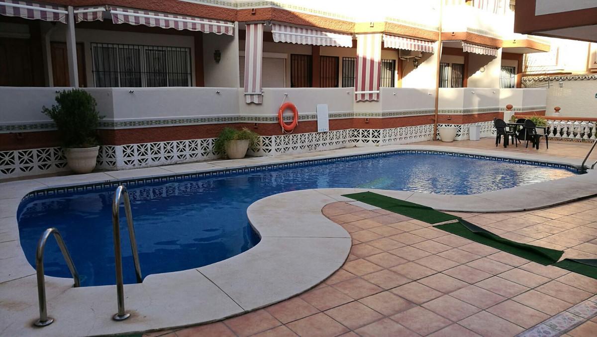 Leilighet - bakkeplan i La Carihuela R3002918