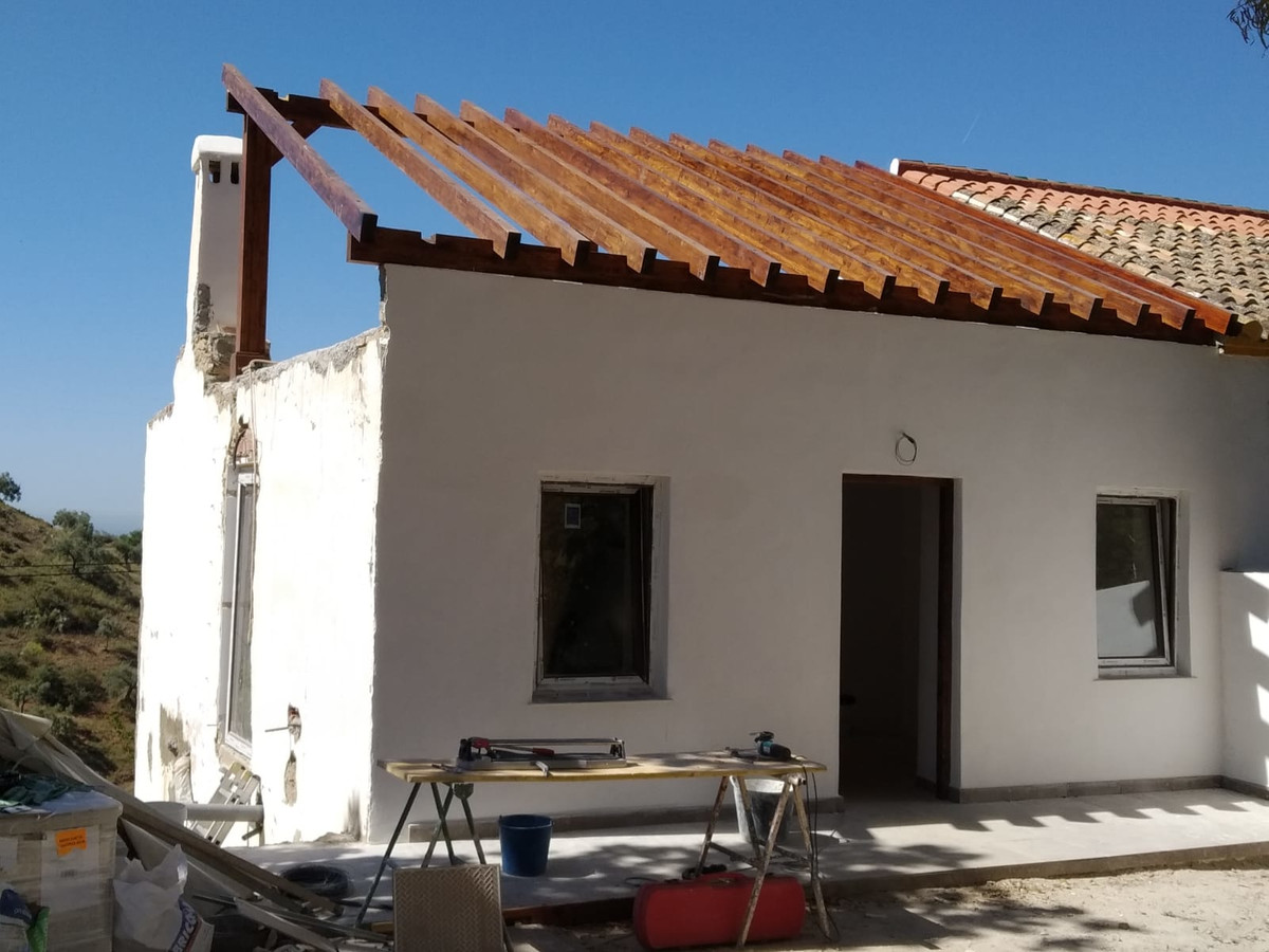 4 bedroom villa for sale malaga