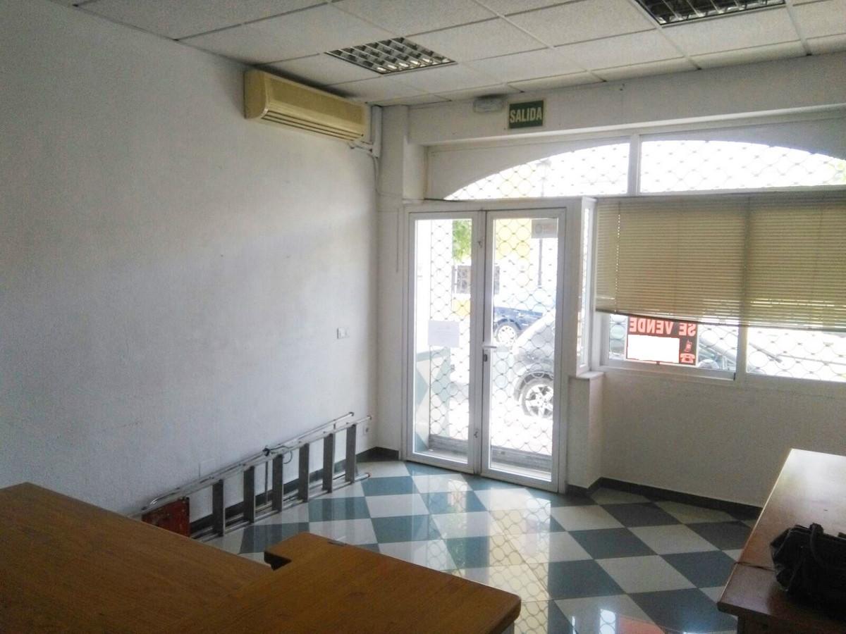 Commercial in Arroyo de la Miel