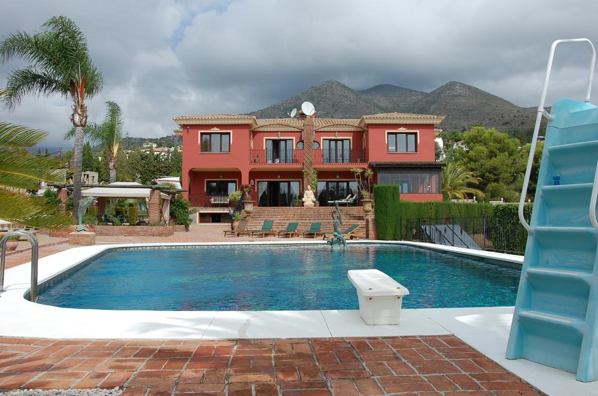 8 bedroom villa for sale benalmadena