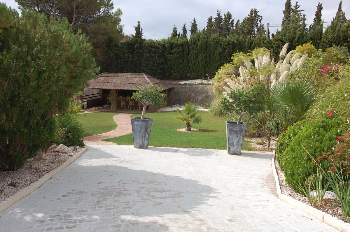 Villa con 8 Dormitorios en Venta Benalmadena
