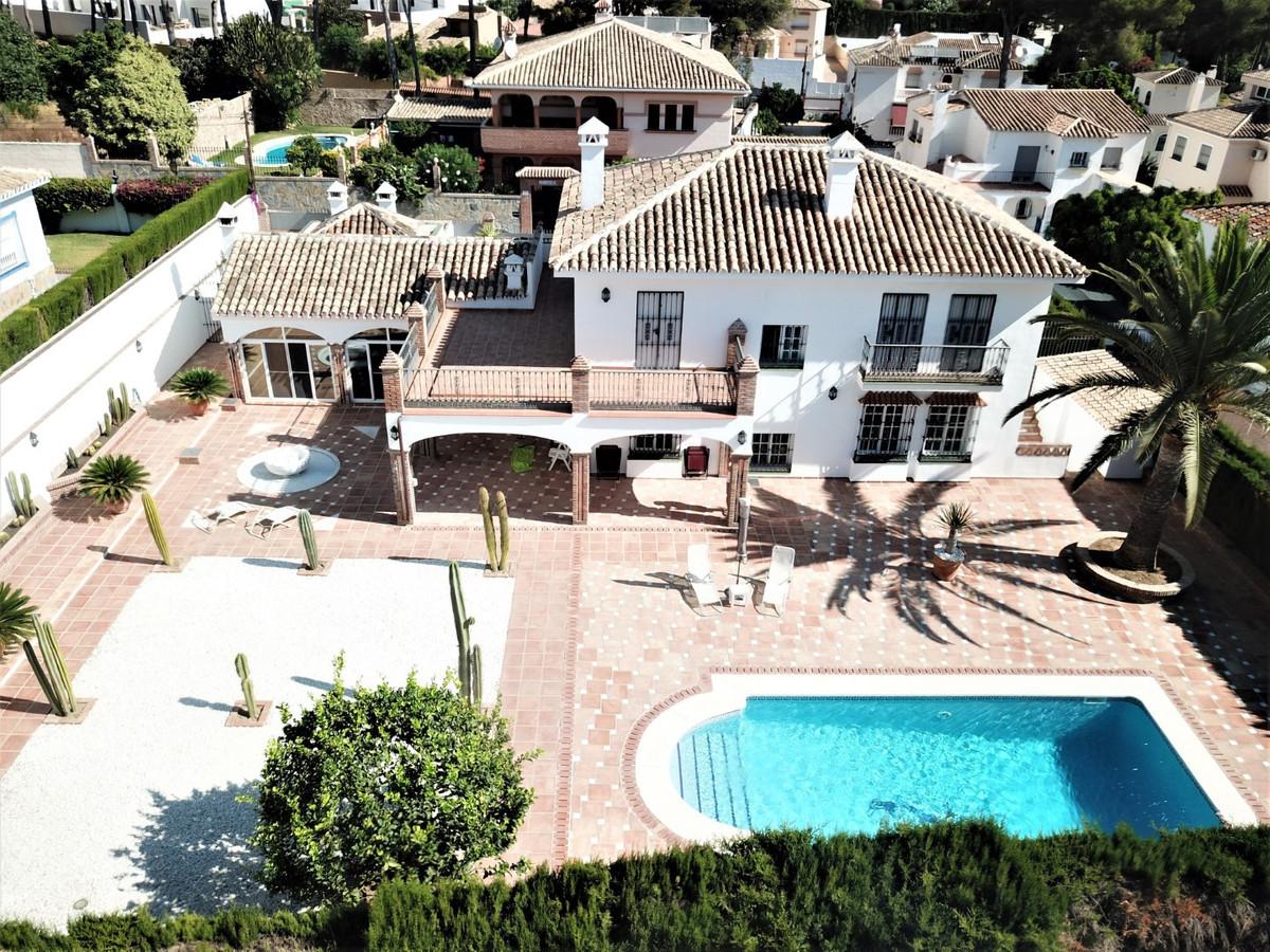 Detached Villa, Mijas, Costa del Sol. 4 Bedrooms, 3 Bathrooms, Built 383 m², Terrace 67 m², Garden/P,Spain