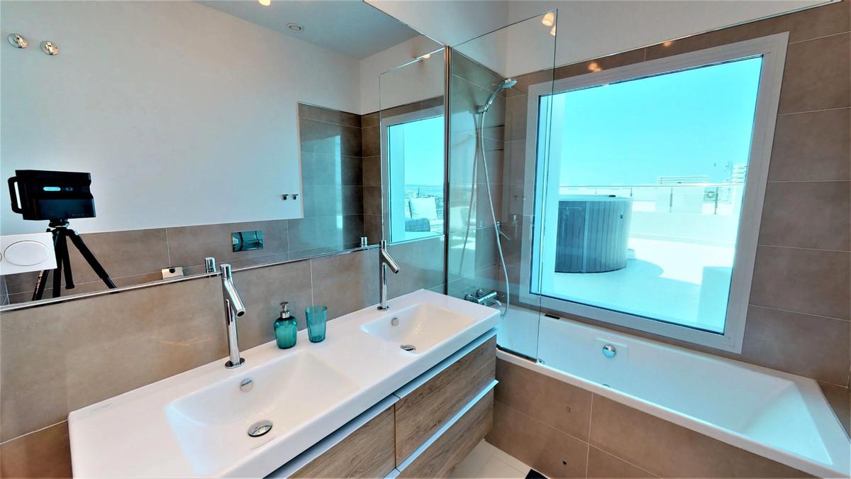 4 Bedroom Apartment For Sale, Benalmadena