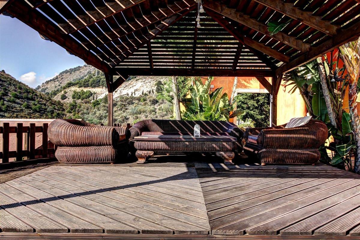 Villa con 6 Dormitorios en Venta Benalmadena Pueblo