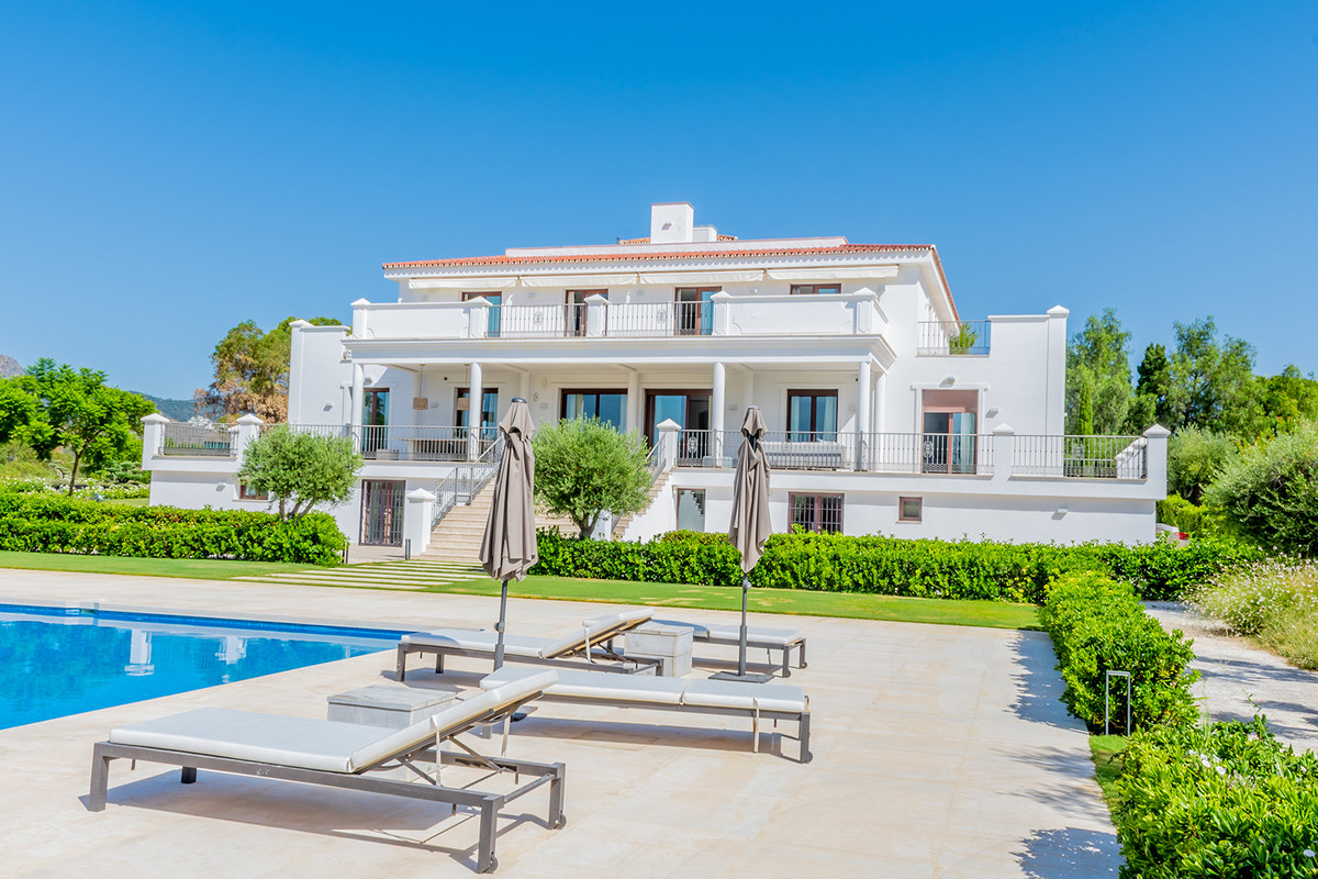 6 bedroom villa for sale guadalmina alta