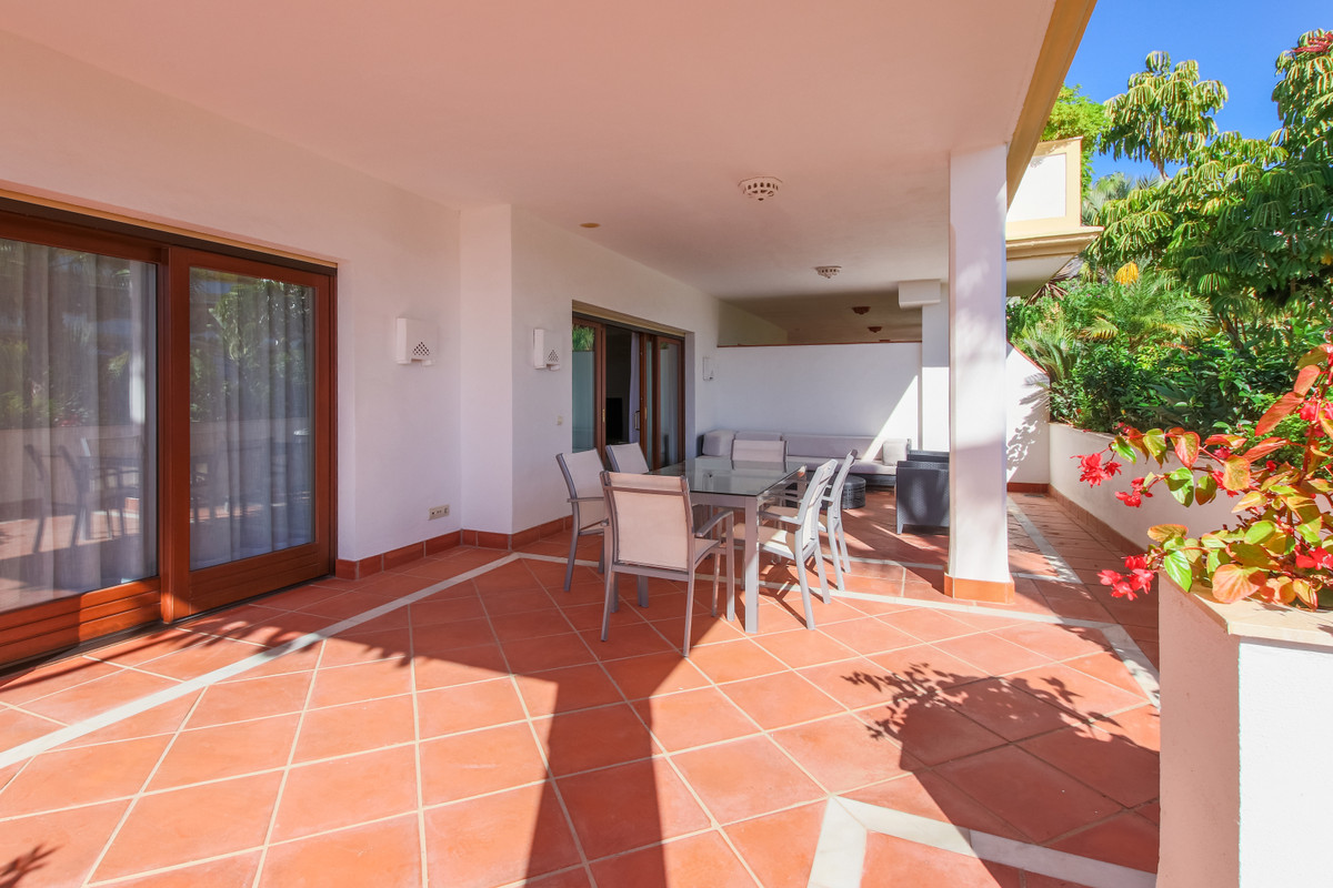 Appartement te koop in The Golden Mile R3583765