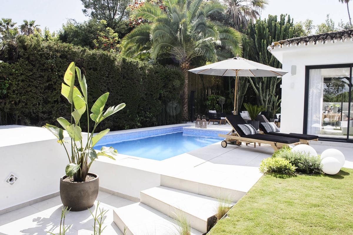 Villa - Chalet en venta en Nueva Andalucía R3862447