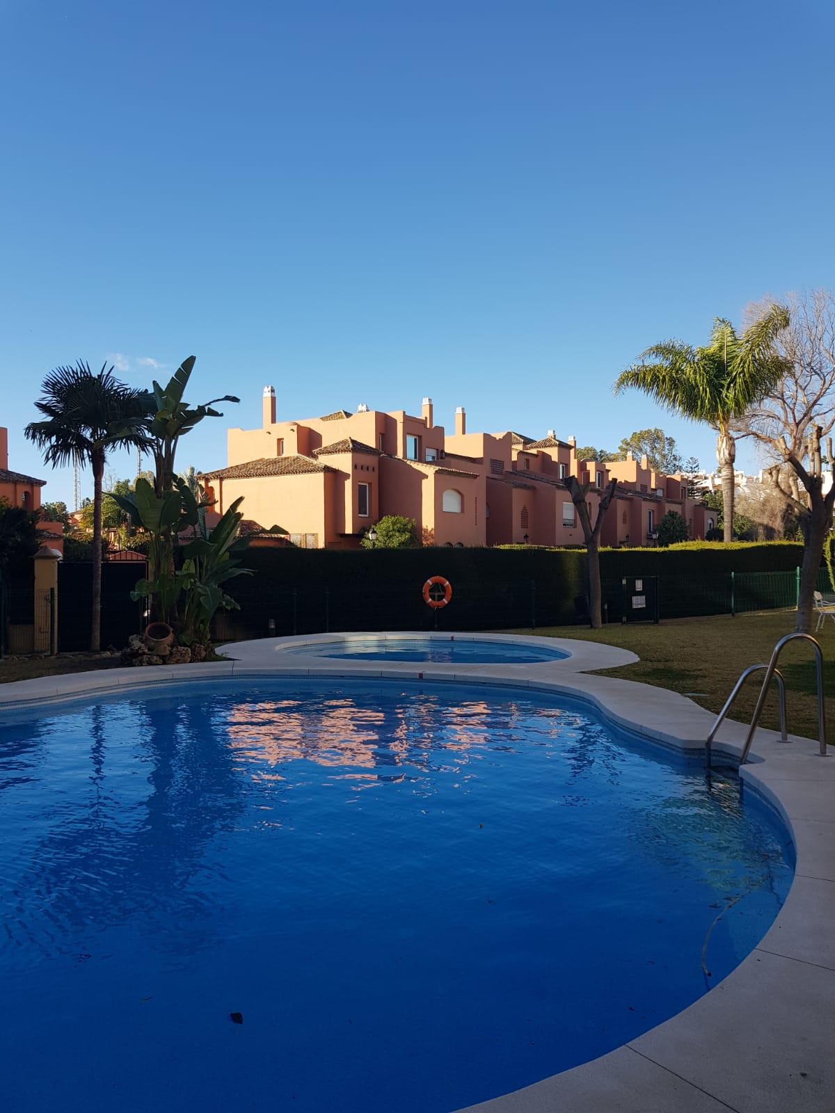 Appartement Te Koop - Guadalmina Baja