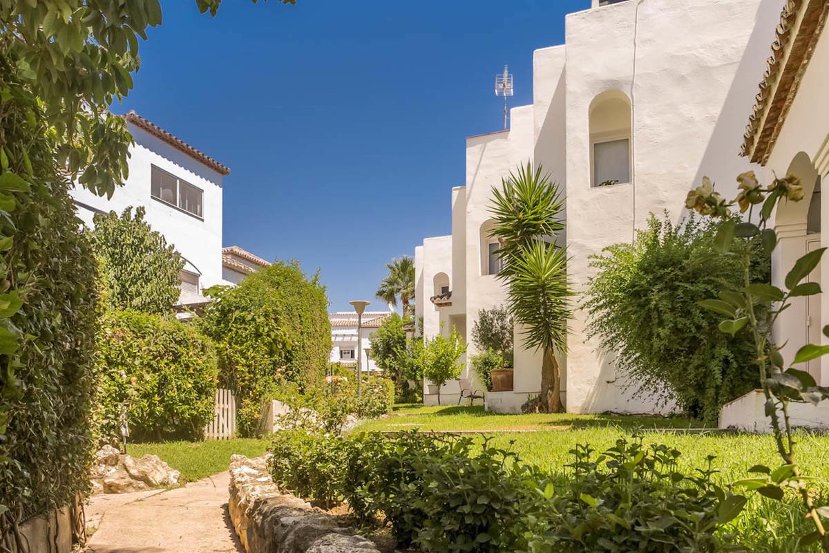 Maison mitoyenne à El Padron R3350704