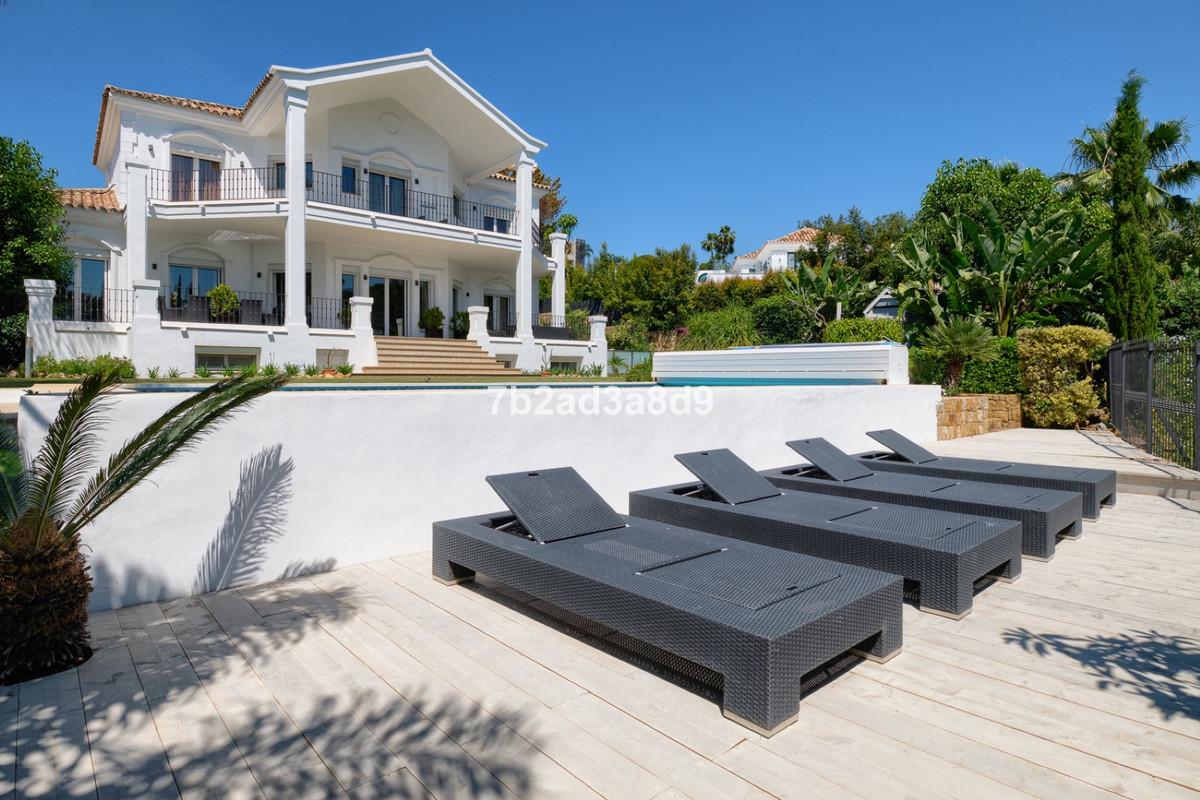 Detached Villa for sale in Nueva Andalucía R3645380
