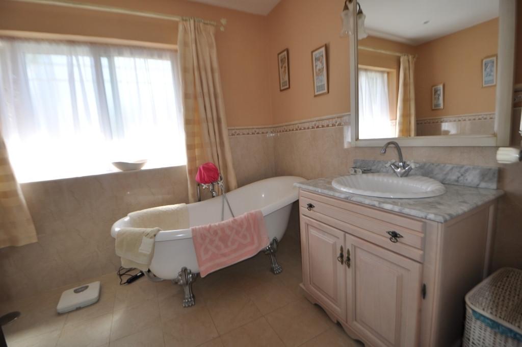 Villa con 6 Dormitorios en Venta Torremuelle