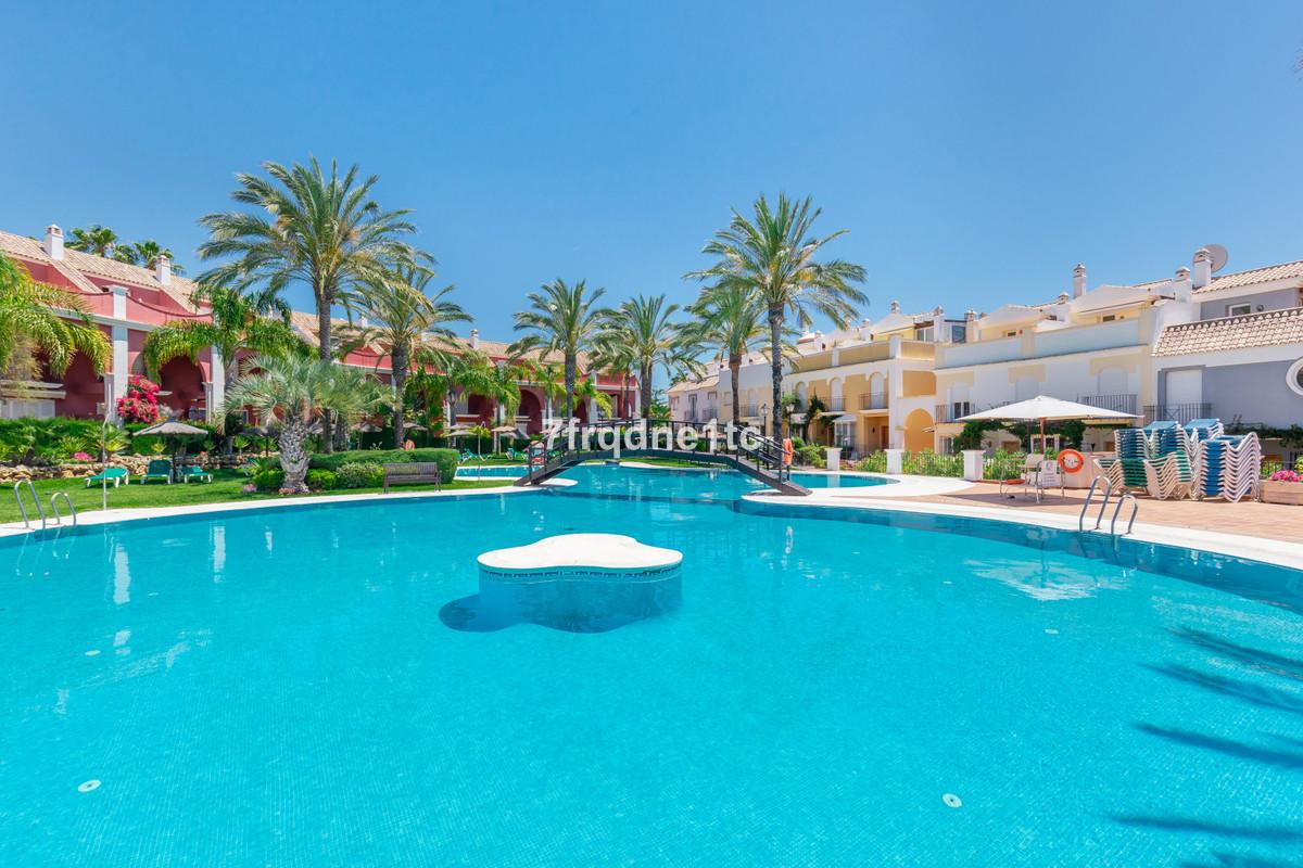 3 bedroom townhouse for sale bahia de marbella