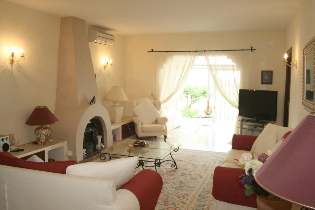 Large 2 Bedroom, 2 Bathroom GROUND FLOOR APARTMENT in PATIO ALCORNOCAL - EL PARAISO, Close to Restau,Spain