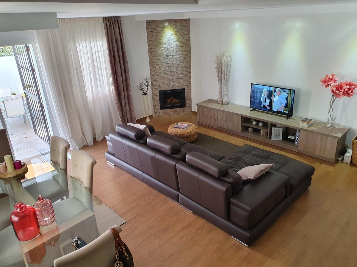 3 Bedroom, 2 Bathroom TOWNHOUSE with Sea Views in  MARINA DE CASARES.  Entrance Hall, Lounge, Dining,Spain