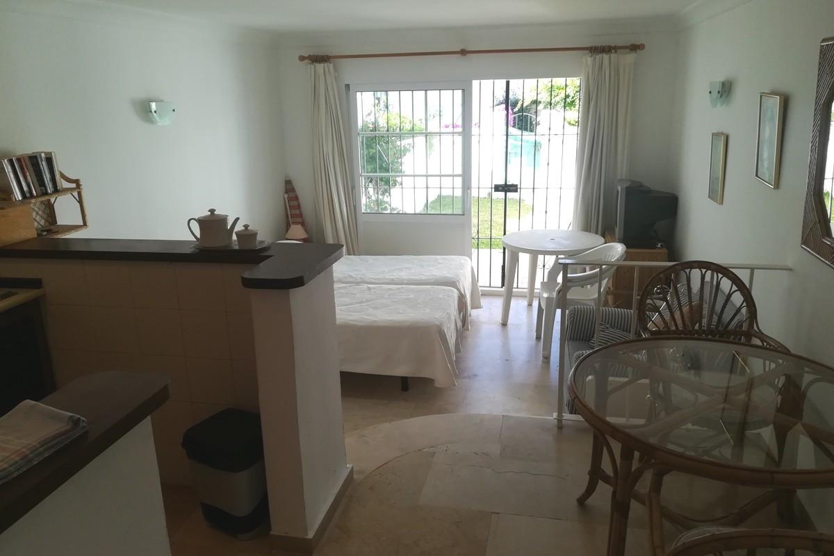 Studio for sale in El Paraiso