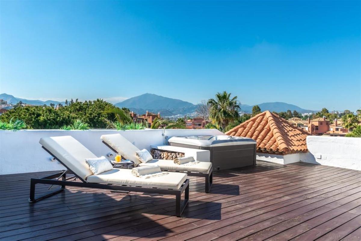 5 Bedroom Penthouse Apartment For Sale Guadalmina Baja